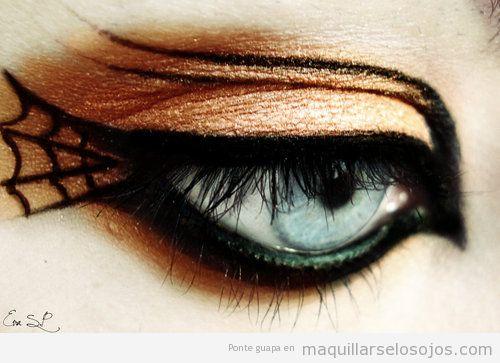 Maquillaje de ojos para Carnaval, Fmailia Adams, Morticia, con telaraña