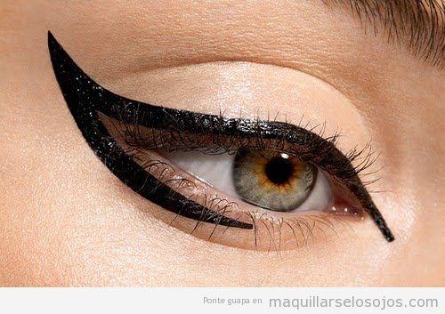 Eyeline estilo maquillaje de ojos de Lady Gaga