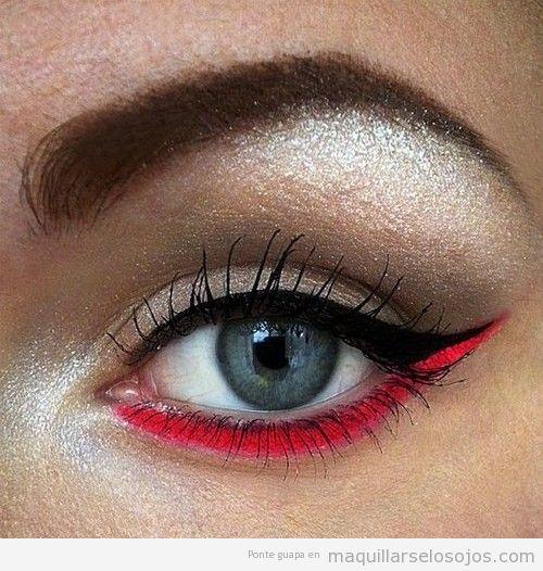 Maquillaje de ojos con línea párpado inferior en rojo