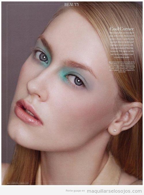 Maquillaje de ojos con la zona del lagrimal con sombra azul turquesa