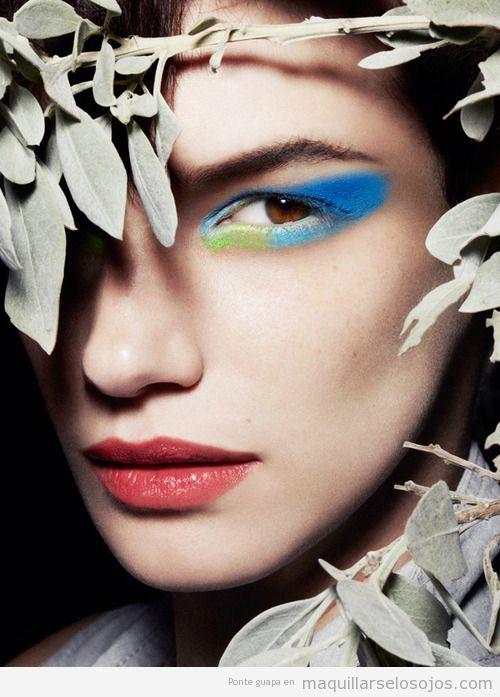 Maquillaje de ojos en azul y verde, Jessica Pitti para Tatler
