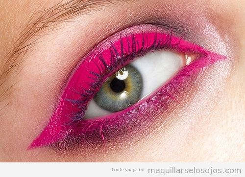 Maquillaje de ojos con sombra rosa fucsia, primavera 2013