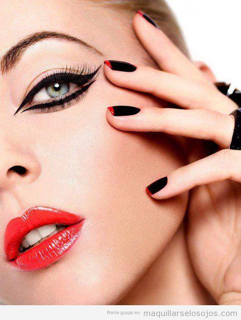 Maquillaje de ojos original con línea de ojos en párpado superior e inferior