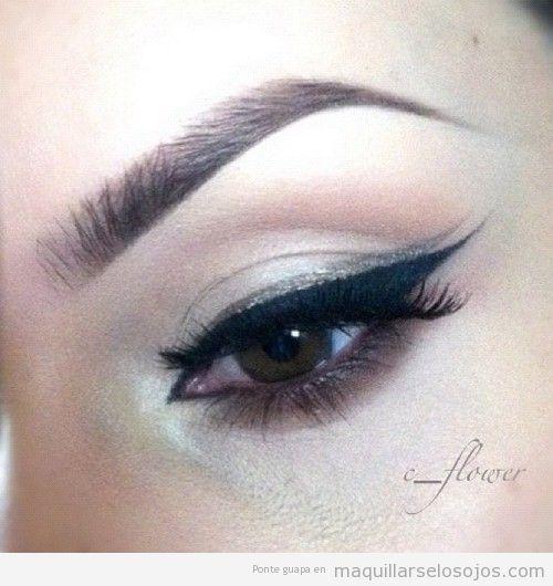 Doble eyeliner en negro y dorado