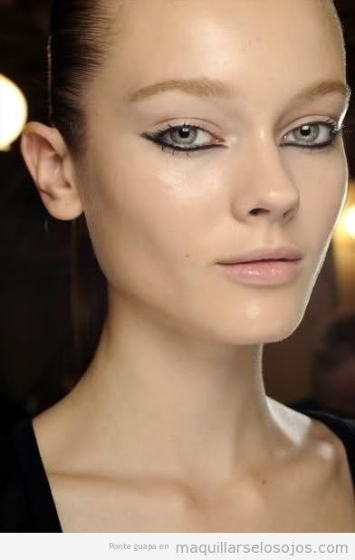 Maquillaje de ojos original con eyeline párpado inferior