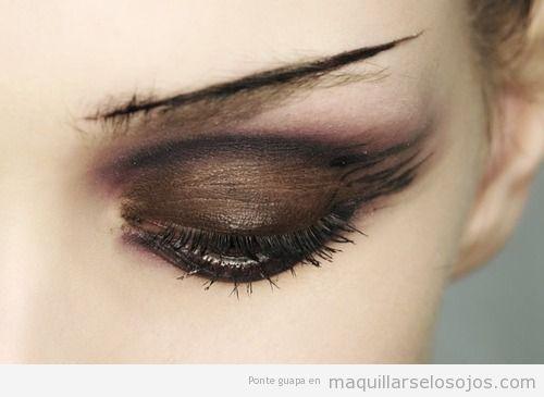 Maquillaje de ojos marrón para otoño