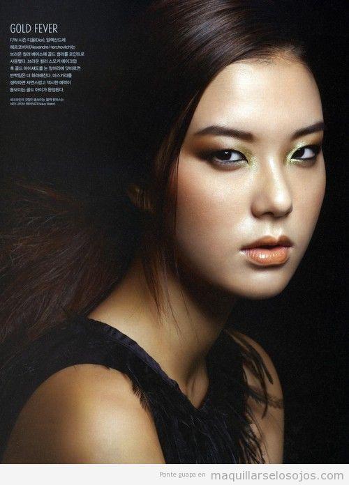Maquillaje de ojos en tonos dorados para ojos achinados o rasgados