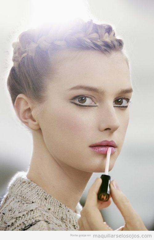 Maquillaje de ojos con eyeliner muy original