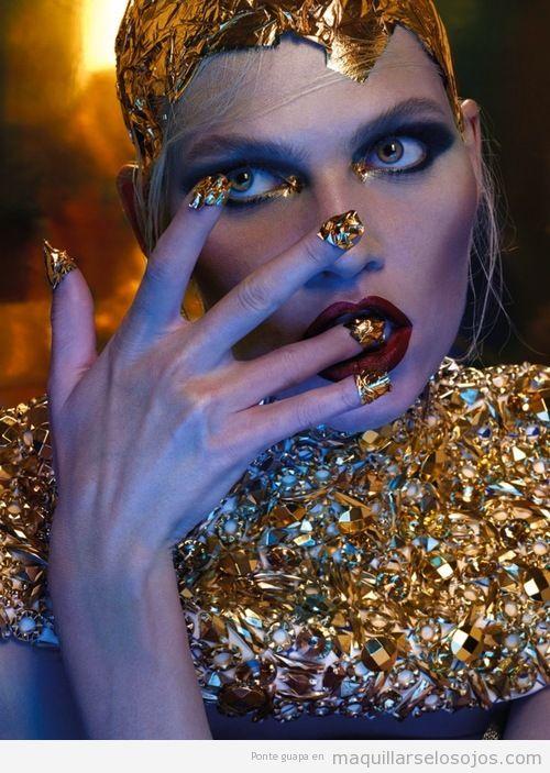 Maquillaje de ojos ahumados, Aline Weber para Vogue Tailandia febrero 14