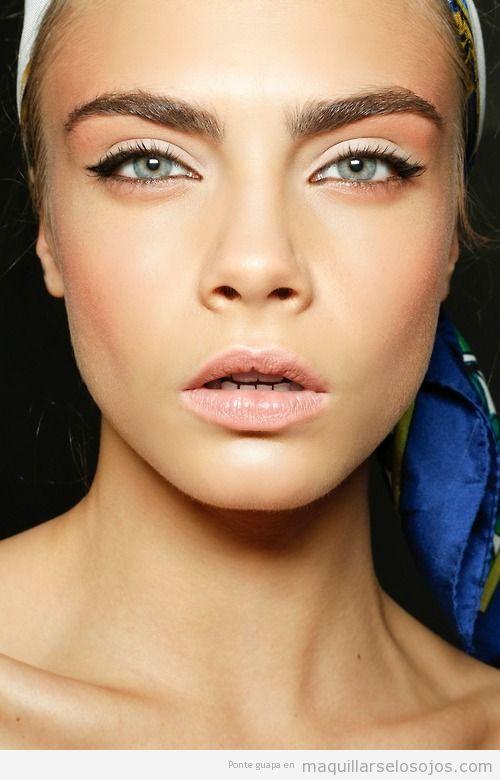 Maquillaje de ojos, Cara Delevigne  para Dolce y Gabanna