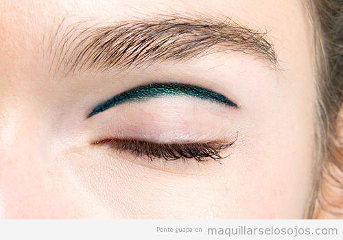 Maquillaje ojos eyeliner pliegue del párpado