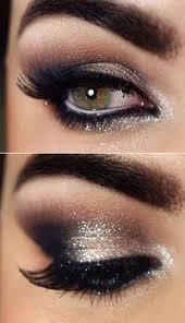 Maquillaje ojos Navidad color dorado ahumado