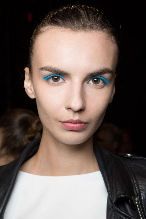 Maquillaje ojos azul turquesa primavera 2016