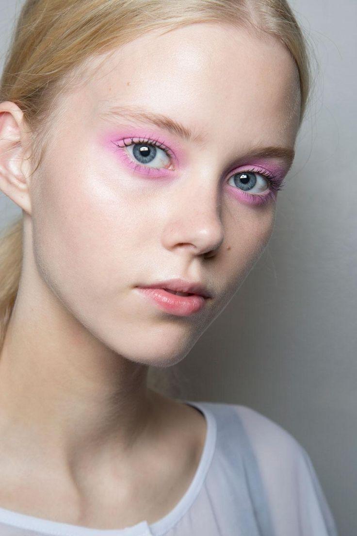 Maquillaje ojos primavera 2016 sombras color rosa chicle