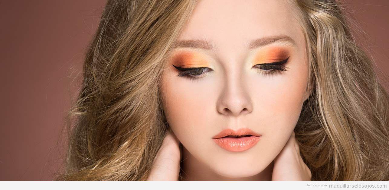 Maquillaje de ojos color naranja dramático 3