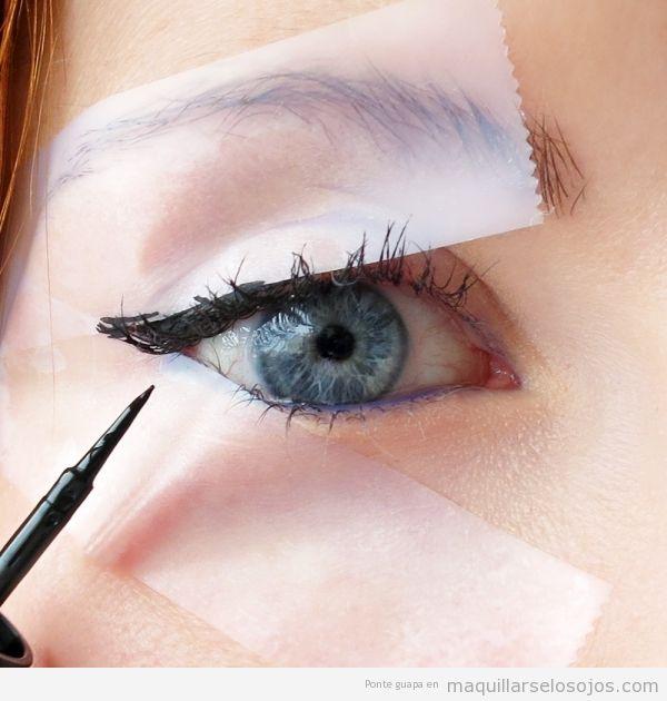 Trucos para perfilar ojo con rabillo o winged eyeline, doble cinta adhesiva