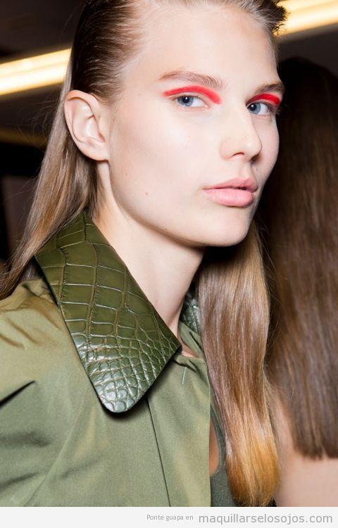Tendencias maquillaje de ojos verano 2017 color rojo