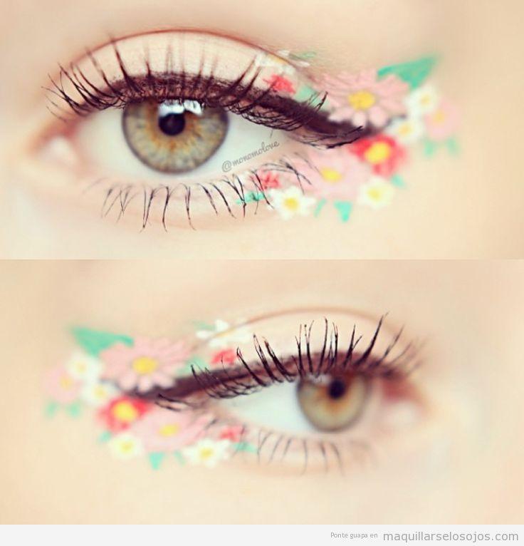 Maquillaje de ojos para festivales de música con flores