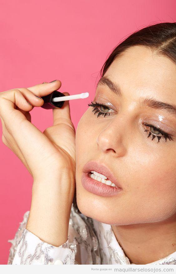 Tutorial maquillaje de ojos con párpados glossy o brillantes 2