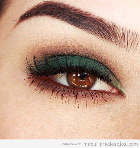 Maquillaje ojos marrones sombra verde