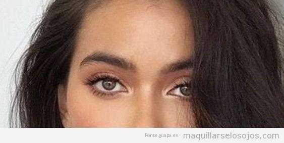 Consejos para el maquillaje de ojos diario y natural.