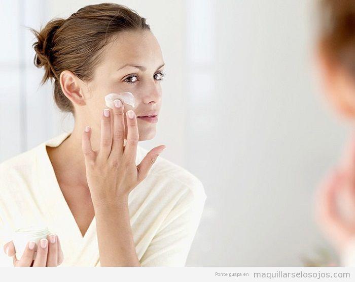 Cómo aplicar crema hidratante facial