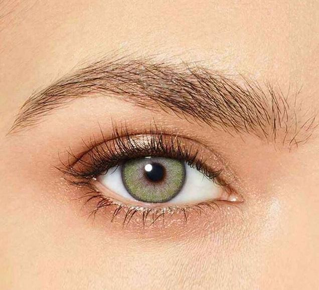 Cómo maquillarse los ojos con lentillas