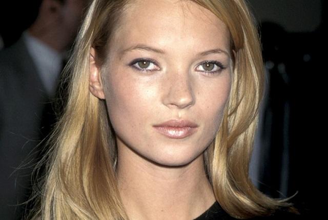Cejas finas de Kate Moss en los años 90